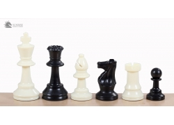 Staunton no 4 plastic chess pieces, unweighted
