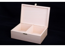 WOODEN CASE FOR No. 4 CHESS PIECES