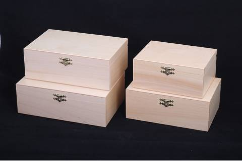 WOODEN CASE FOR No. 5 CHESS PIECES